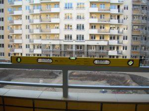 kontrola równości bariera na balkonie